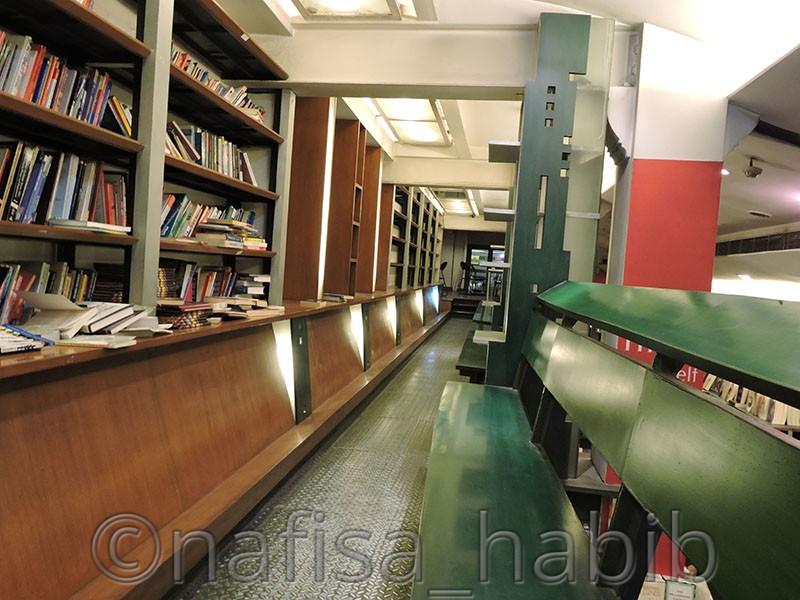 Oxford Bookstore on Park Street, Kolkata