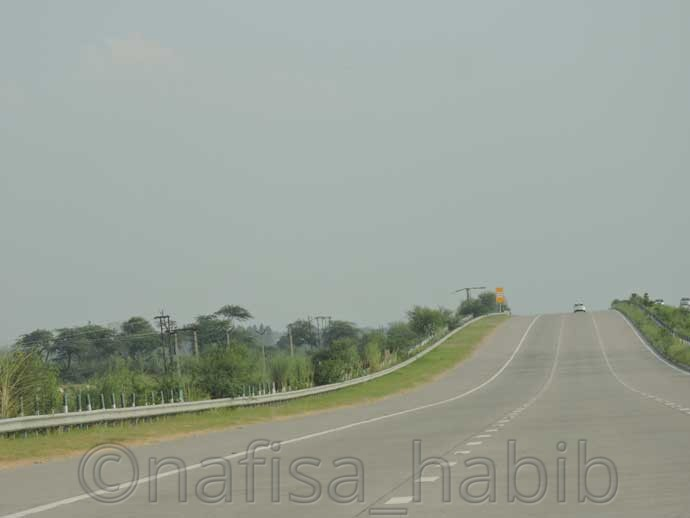 Yamuna Expressway - My 10 Days Historic Solo Trip in India [When Travelling Is More Than Fun]
