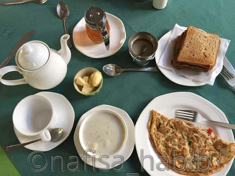 Breakfast at Hotel Mahendra Prakash