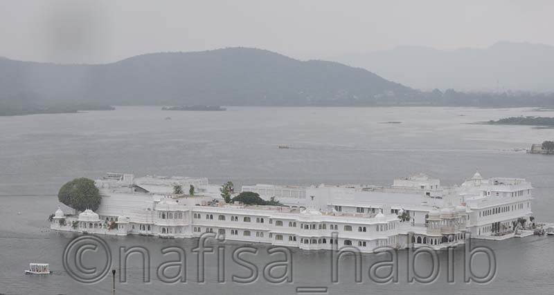 lake palace hotel - My 10 Days Historic Solo Trip in India [When Travelling Is More Than Fun]