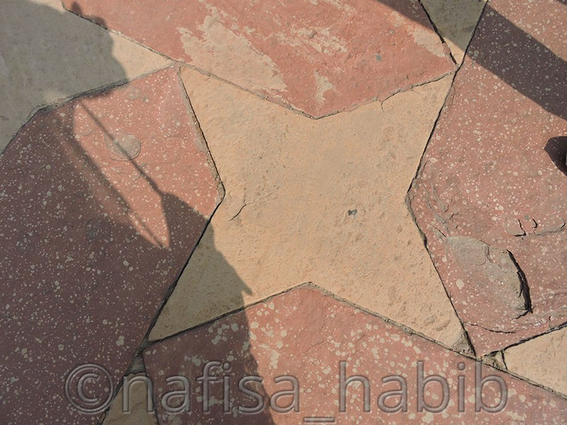 star shape tiling at taj mahal complex - Taj Mahal Tour in Agra to Explore the Eternity of Love