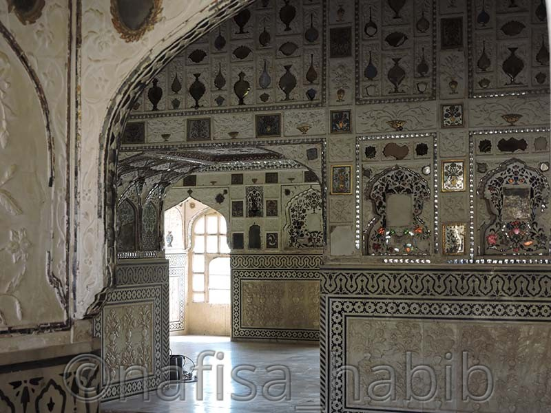 colorful mirror artworks - Amber Fort: Main Tourist Attraction in Jaipur, Rajasthan
