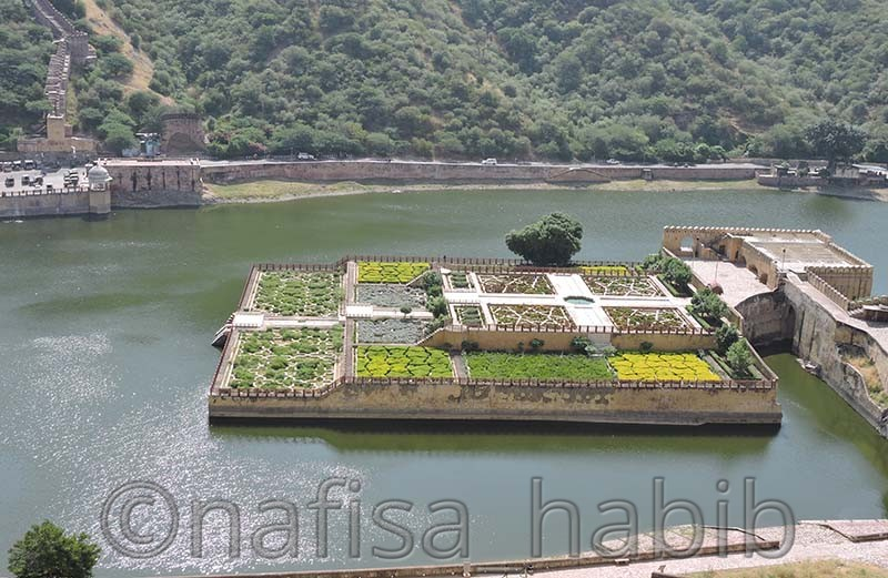 maota lake and garden - Amber Fort: Main Tourist Attraction in Jaipur, Rajasthan