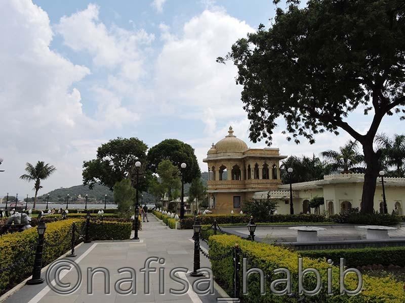 Jag Mandir Garden
