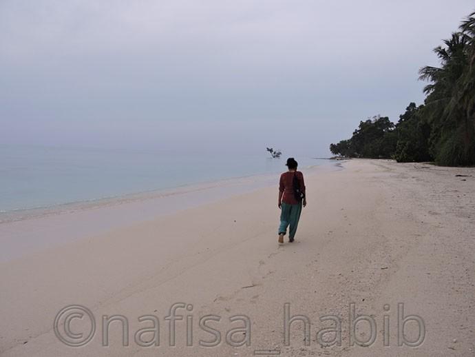 Long Walk to Vijaynagar Beach