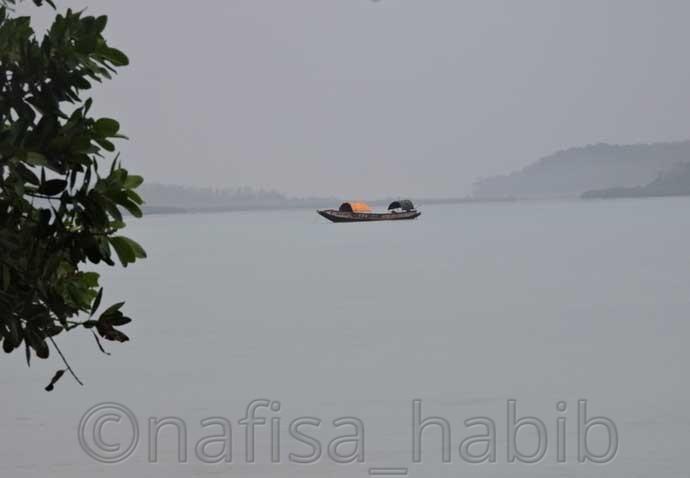 Andaman dive boat at Vijaynagar beach - 3 Top Beaches in Havelock Island