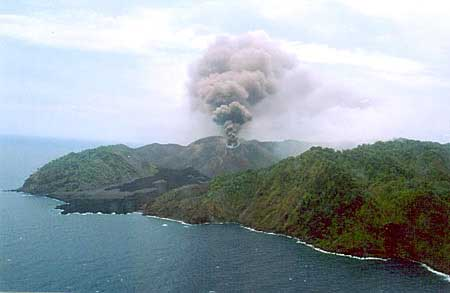 Barren Island Andaman Islands - Top Places To Visit in The Andaman Islands [For Any Seasons]