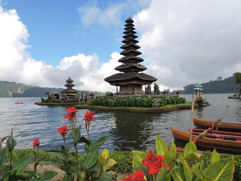 Pura Ulun Danu Beratan in Bali