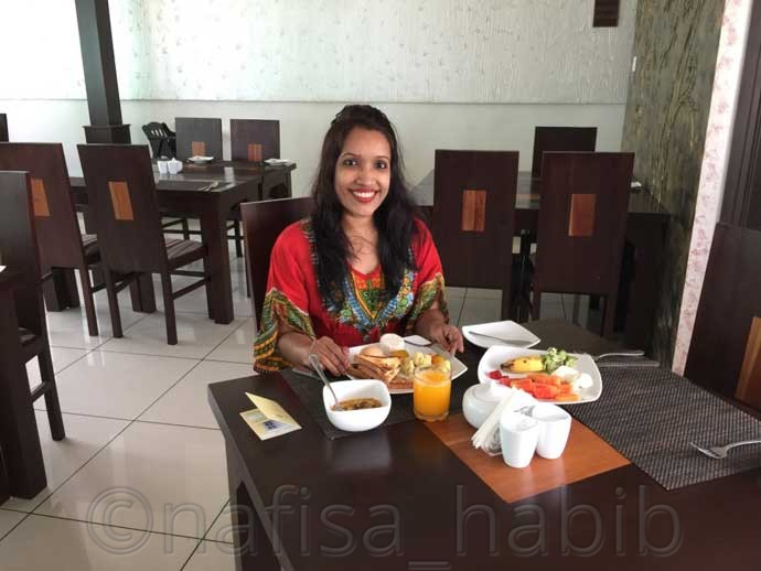 Breakfast at Ceylon City Hotel in Colombo