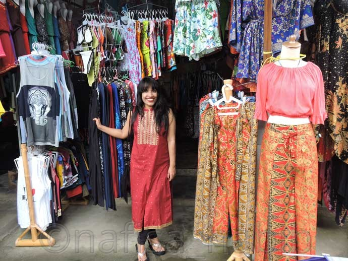 Balinese Shopping in Tegalalang