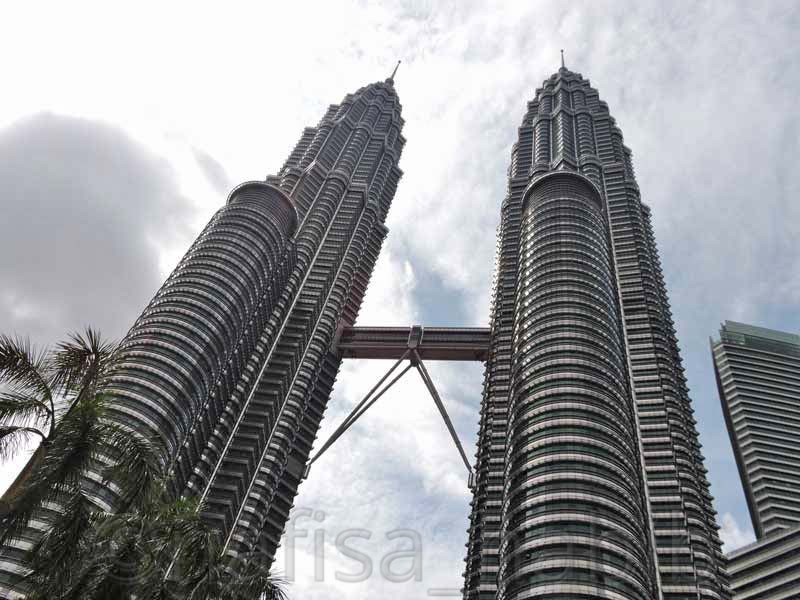 Petronas Towers World's Tallest Twin Towers
