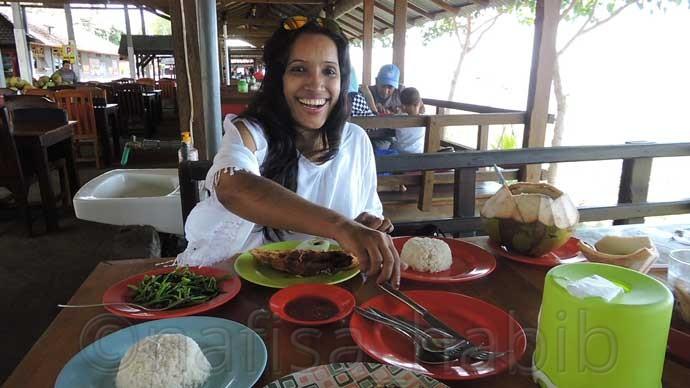 Tanjung Alam Ikan Bakar Lovina Beach Restaurant