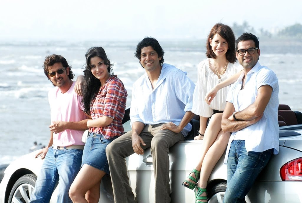 61gYaV1dWxL - Top 5 Bollywood Movies That Inspire Travel