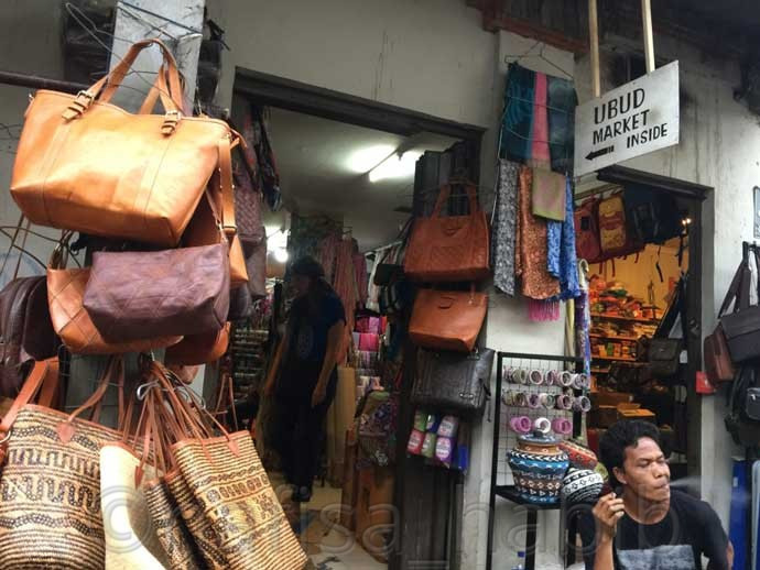 Shopping at Ubud Market