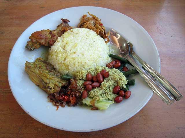 Nasi Bali with Ayam Betutu