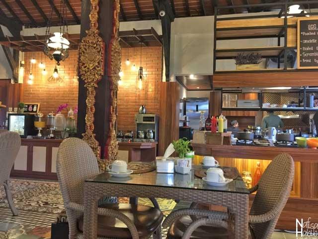 Ari Putri Hotel Restaurant in Bali