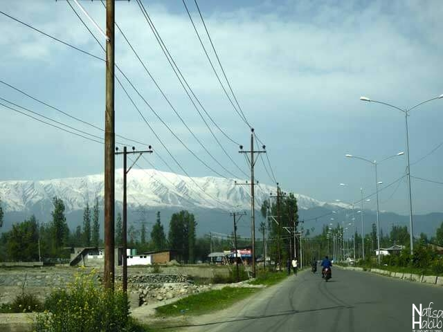 Day Trip to Gulmarg from Srinagar by road in Jammu and Kashmir