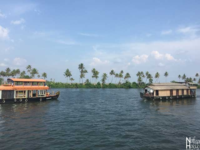 India's longest Vembanad Lake and houseboats in Kerala