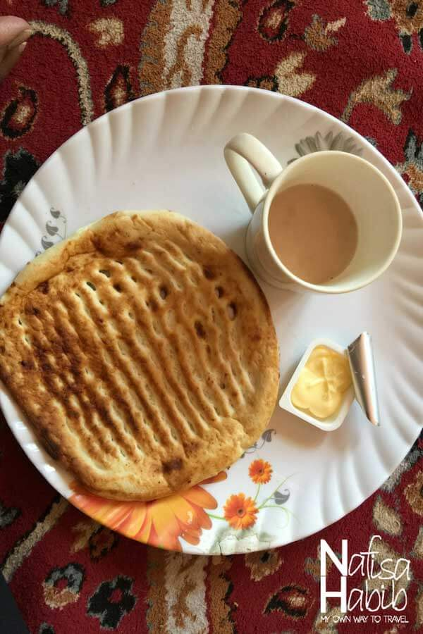 Kashmiri food - Kashmiri roti Girda with butter and tea