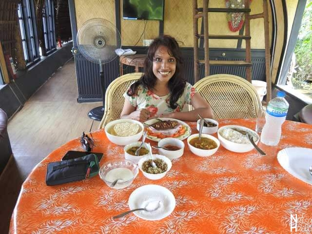 Lunch with Keralan Food in Houseboat