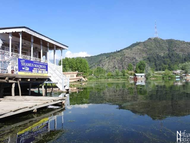Shamus Maqbool Houseboat on Dal Lake