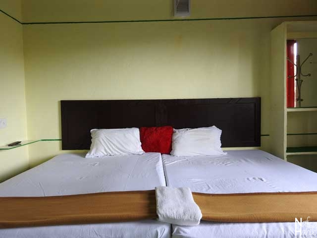 Budget double room with two single beds - Thoppil Homestay Munnar