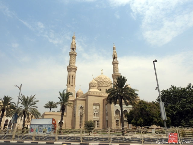 Top places to visit in Dubai - Iconic Jumeirah Mosque in Dubai