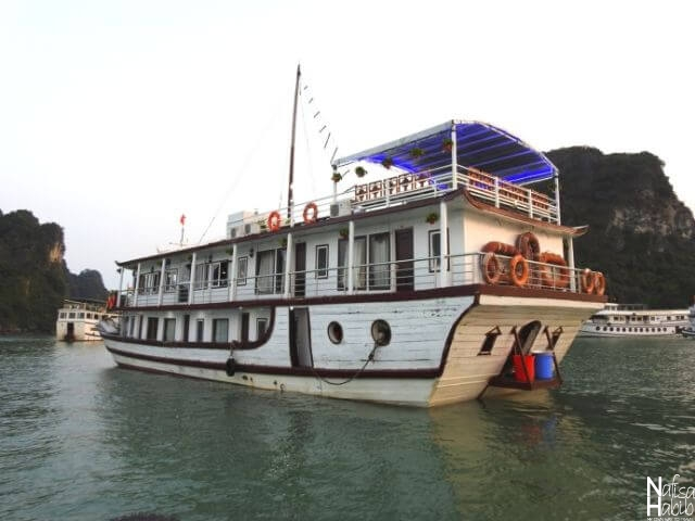 Budget-Friendly Cozy Bay Cruise Halong Bay