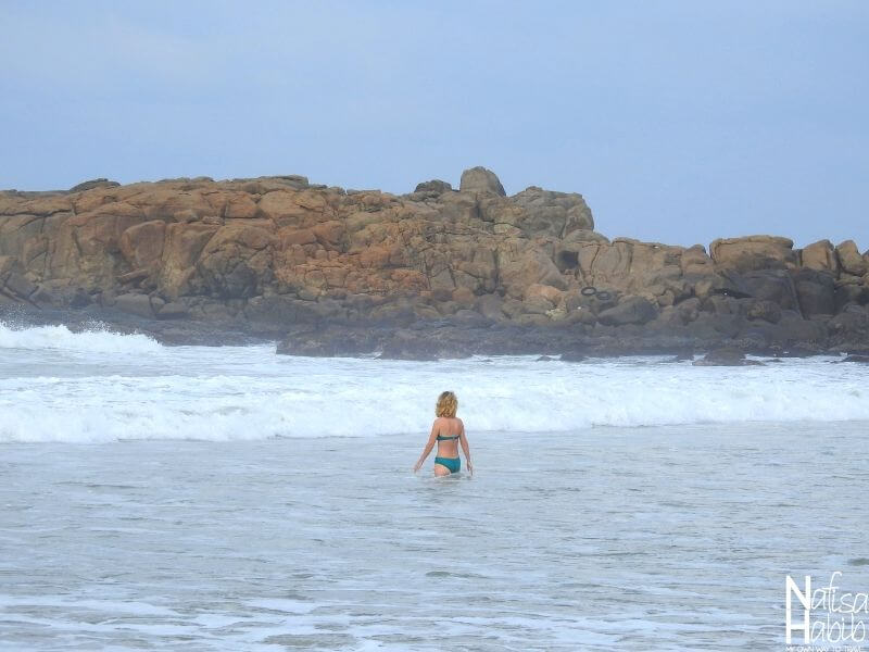 Things to do in kovalam - Swimming in the Lighthouse Beach