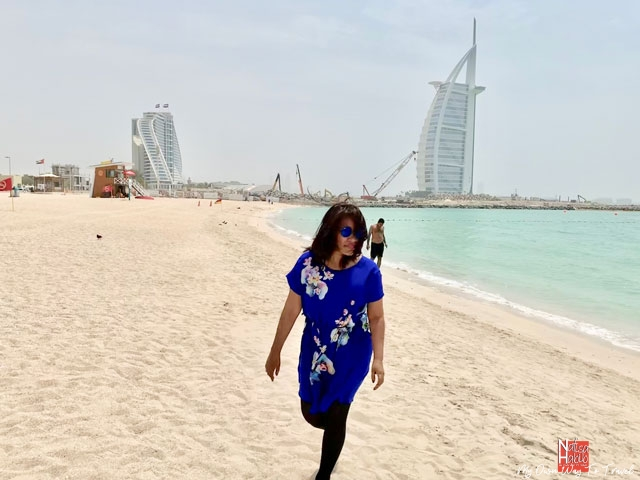 Free beaches in Dubai - Jumeirah Beach facing the Burj Al Arab and Jumeirah Beach Hotel