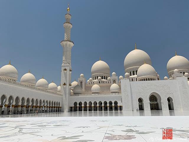 Sheikh Zayed Mosque inner courtyard