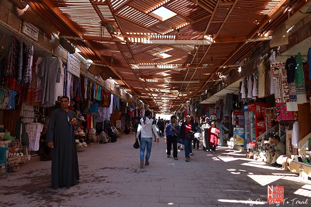 Luxor Bazaar to shop local products