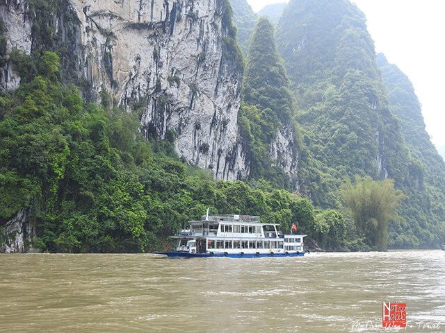 Cruise trip down to Li River