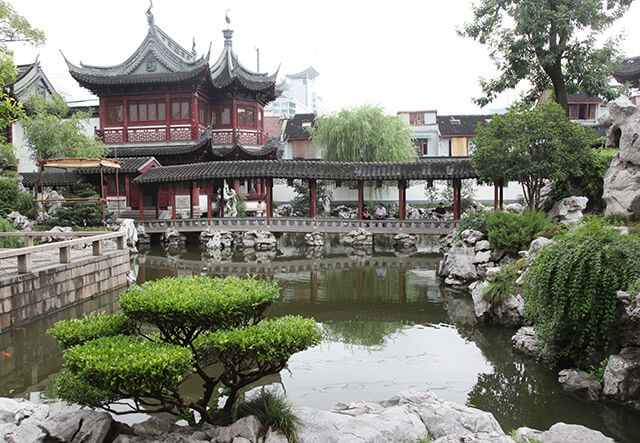 Pavilion of Listening to Billows of Yu Garden